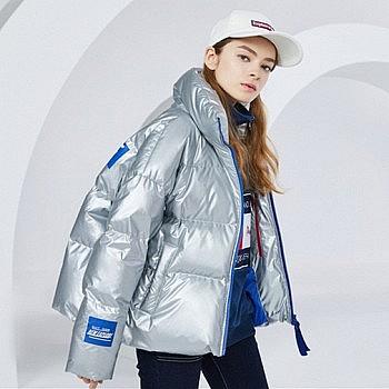 限时抢购:波司登2018冬季短款羽绒服女宽松字母印花外套女潮